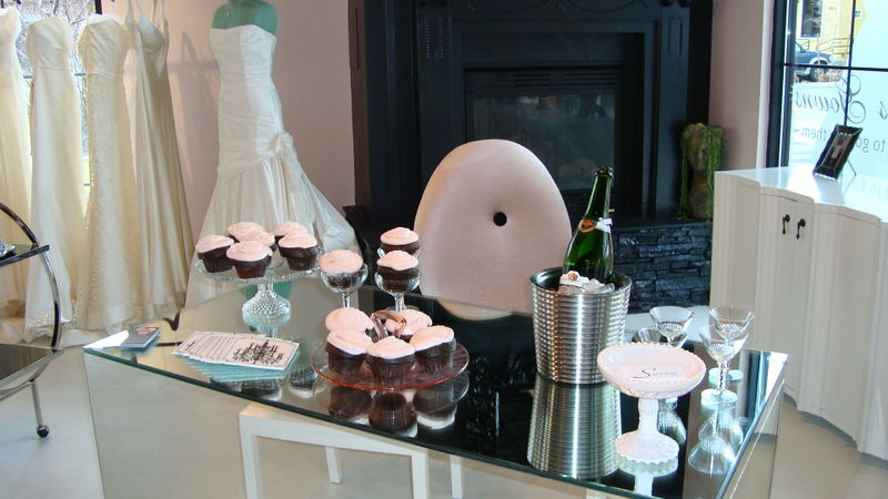 champagne glass wedding cupcake ideas